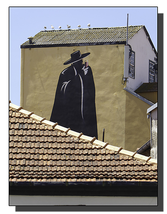 photoblog image Porto-advertising or street art?