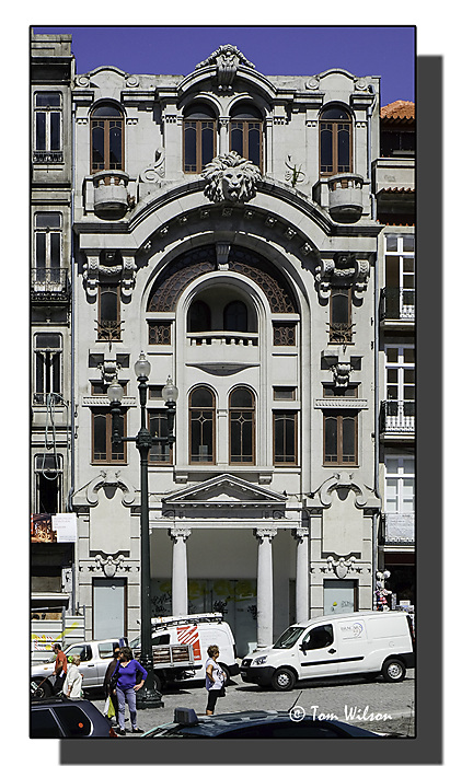 photoblog image Porto-a different facade