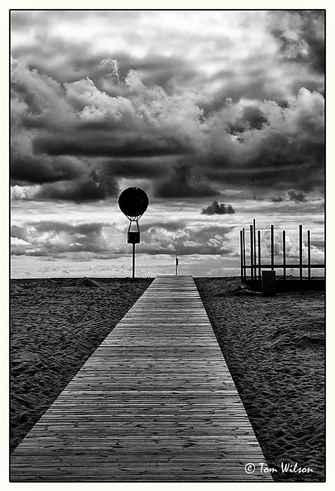 photoblog image Mono beach scene